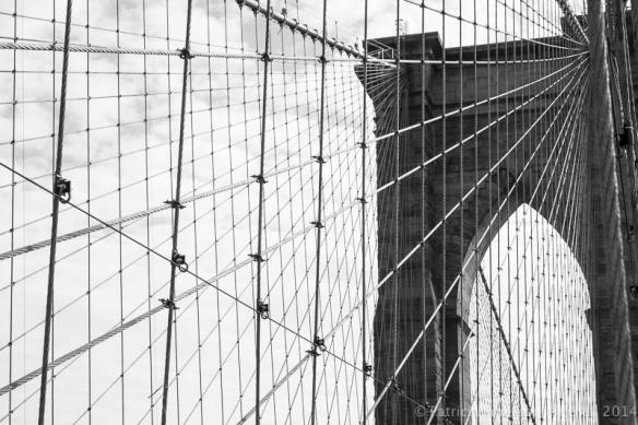 Brooklyn_Bridge,_12.27.13_(B&W)
